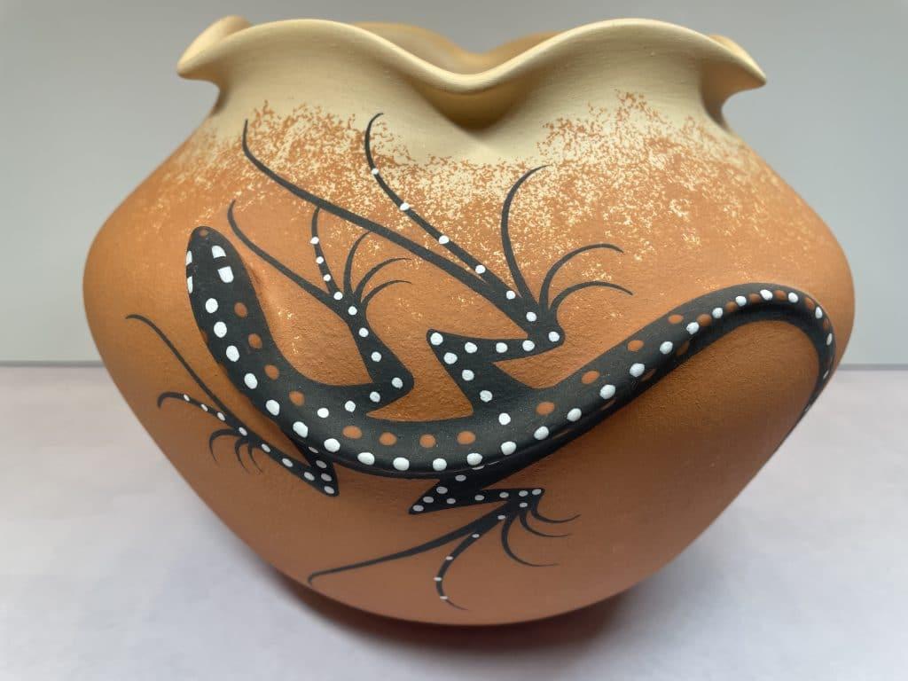 deldrick cellicion zuni lizard pottery