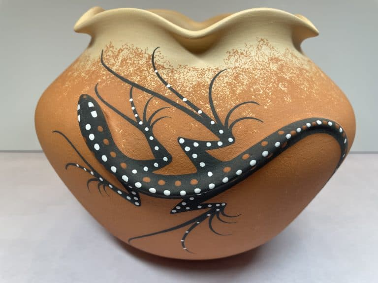 deldrick cellicion zuni lizard pottery