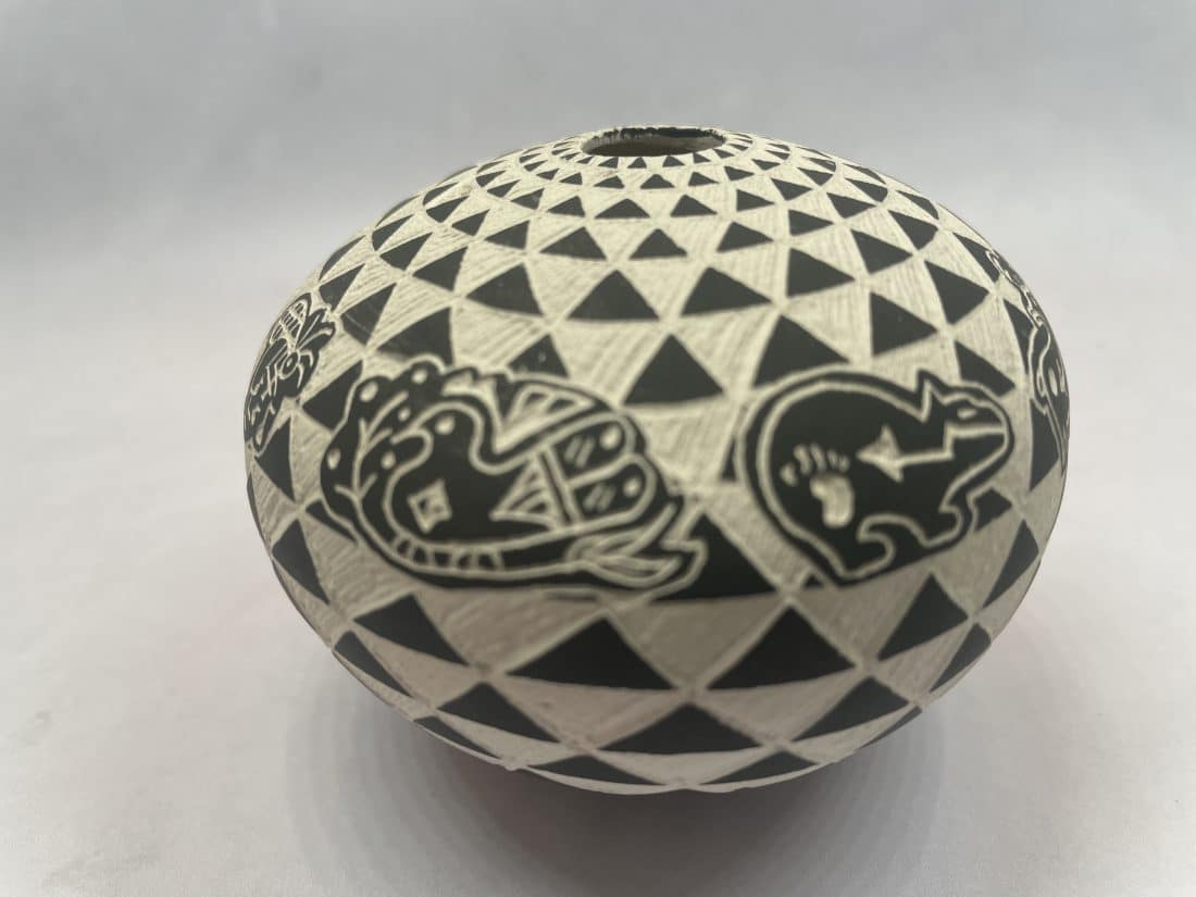 Sharon Miller Acoma New Mexico Small Black and White Pot