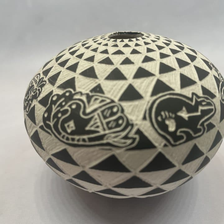Sharon Miller Acoma New Mexico Small Black and White Pot