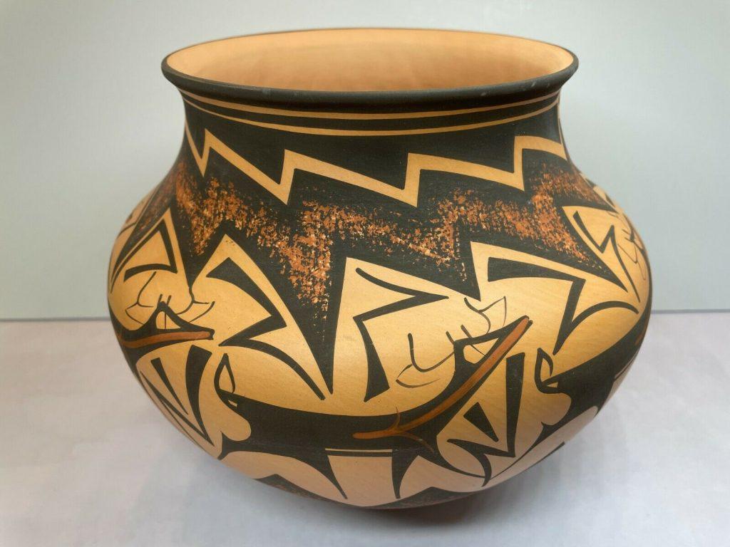 zuni anderson peynetsa pot pottery native american